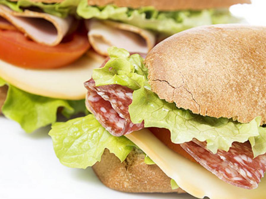 Lunch-bestellen-Leiden-Luxe-broodje